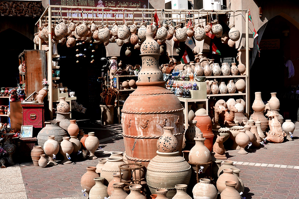 Pottery for sale in Nizwa Souk, a marketplace selling everything from livestock to intricate silverware, Nizwa, Oman