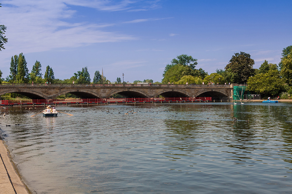 Serpentine Lake in Hyde Park, a popular spot for boat rides in the city