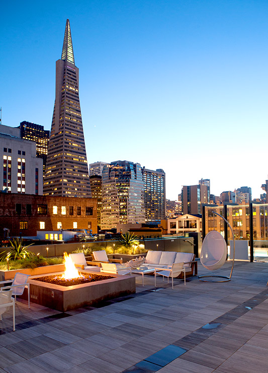 Penthouse rooftop lounge at The Battery - © Melissa Kaseman
