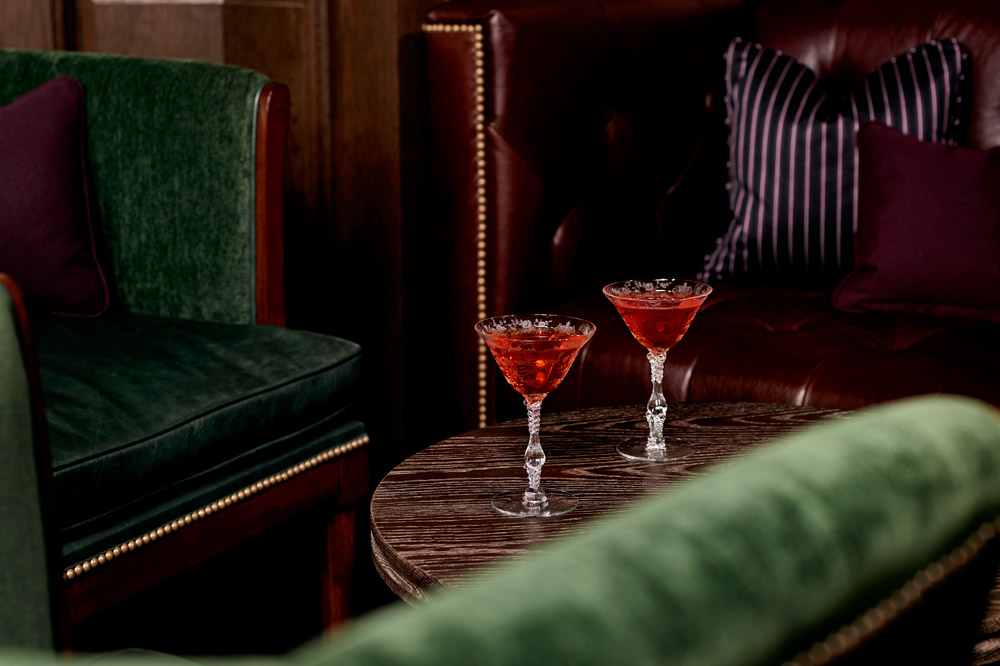 Cocktails at <em>The Office NYC</em> at the Mandarin Oriental