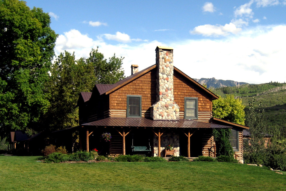 Cabin exterior at Smith Fork Ranch