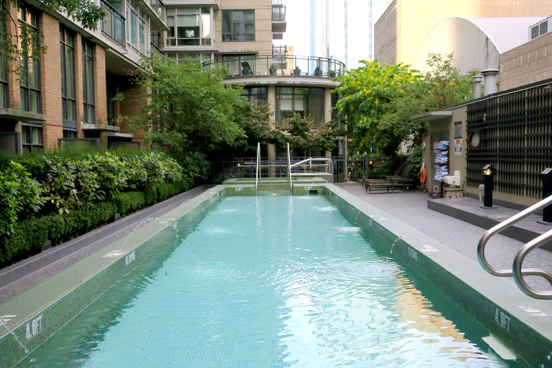 Pool at L'Hermitage Hotel - Photo by Andrew Harper