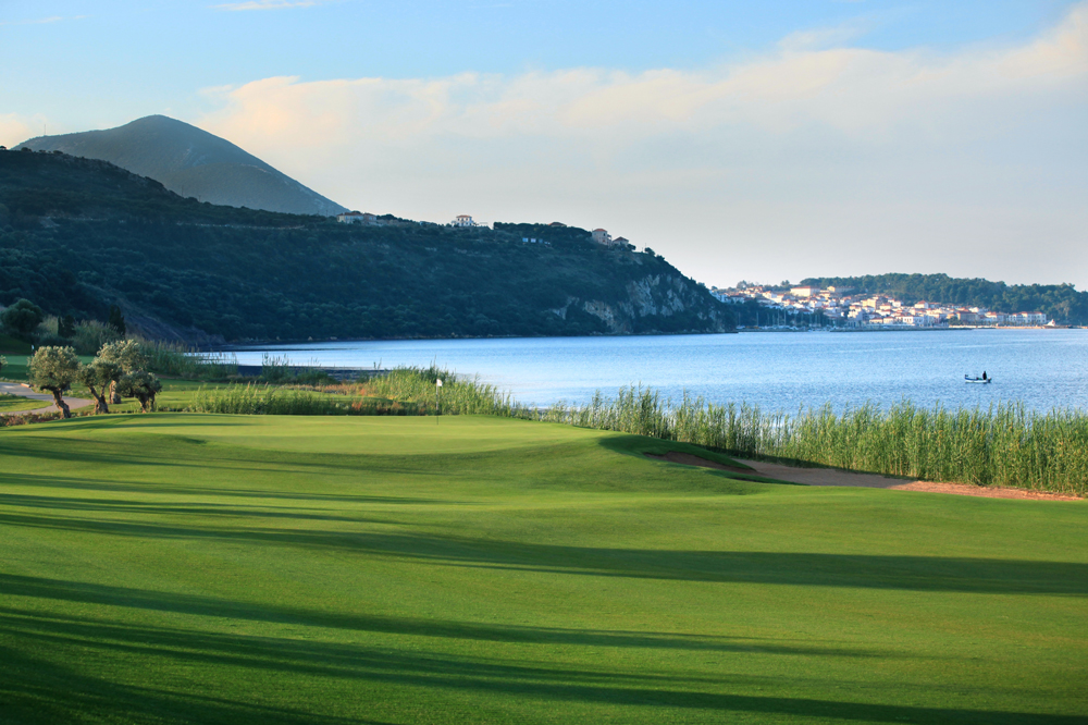 The Bay Course hole 4, at Costa Navarino, Greece - Flickr/Costa Navarino