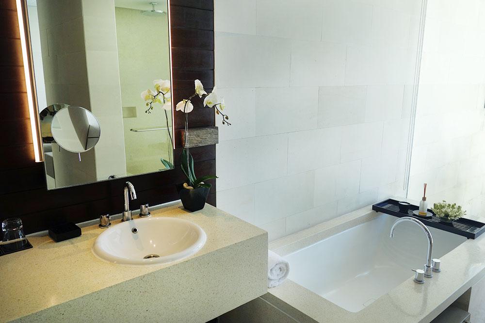 The bath of our villa at Alila Villas Uluwatu