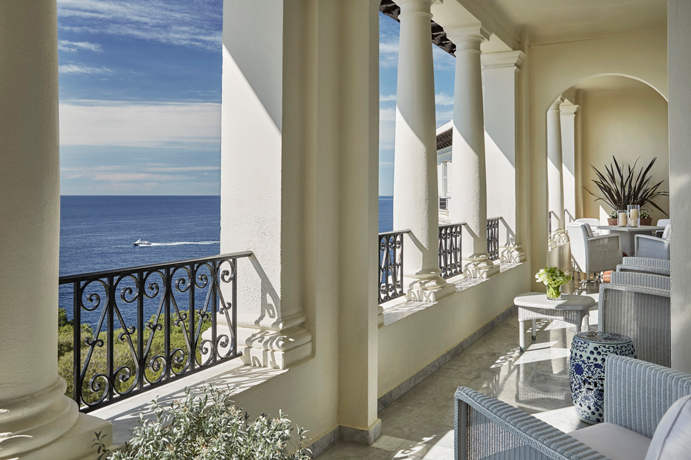 Grand h tel du cap ferrat luxury hotel in c te d 39 azur france for Hotel balcony