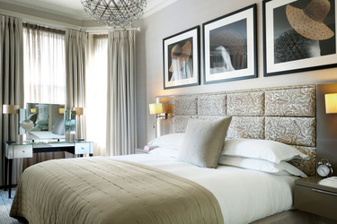 The Bedroom at Athenaeum Hotel and Residences in London, Englad