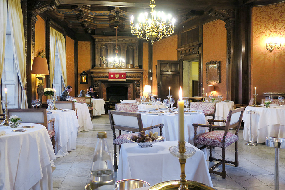 Salon Louis XIII restaurant at Château de la Treyne in Lacave, France