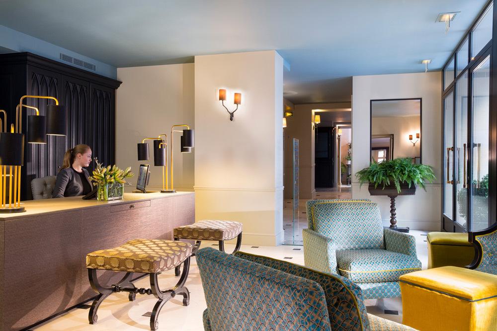 le saint h tel paris luxury hotel in left bank paris. Black Bedroom Furniture Sets. Home Design Ideas