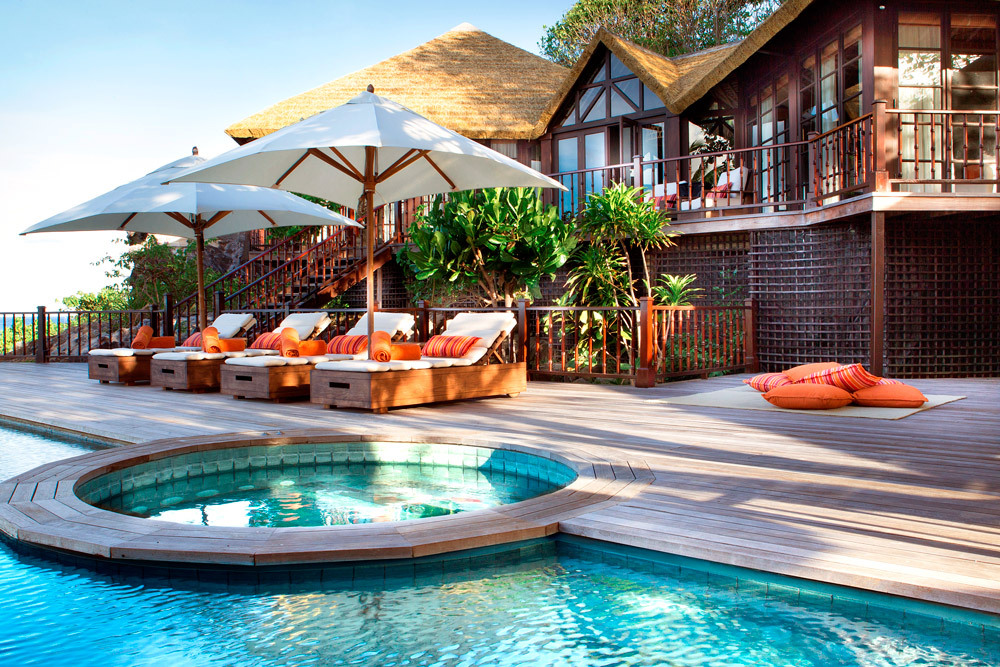 Fregate island private luxury hotel in seychelles africa for Exclusive luxury accommodation