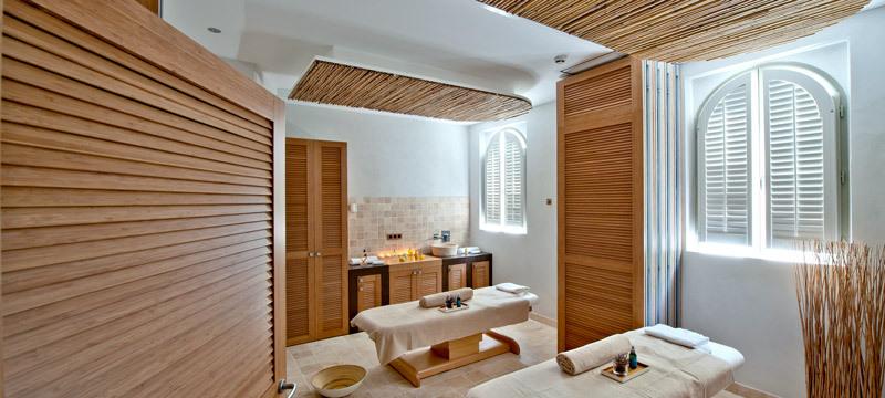 le couvent des minimes luxury hotel in alpes de haute. Black Bedroom Furniture Sets. Home Design Ideas