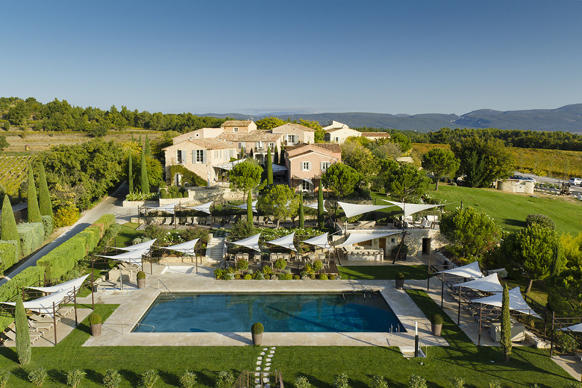 La coquillade luxury hotel in provence france for Hotel luxe france