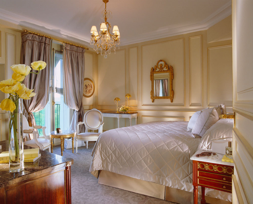 Le meurice luxury hotel in grand luxury hotels paris for Chambre dhotel de luxe
