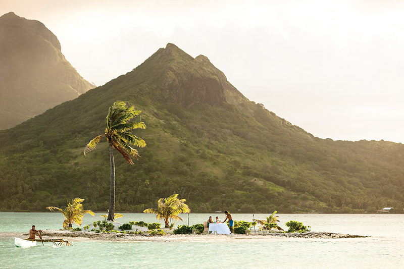 Island picnic at Four Season Bora Bora