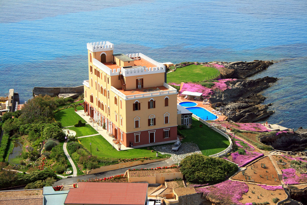 Image gallery hotels sardinia italy for Best boutique hotels sardinia