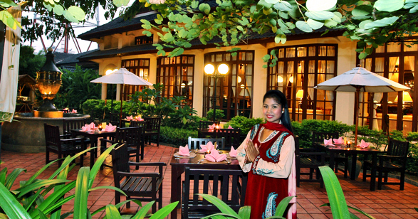 Settha palace luxury hotel in vientiane laos for Luxury hotels in laos