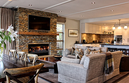 Where to stay in Queenstown, Eichardt's Private Hotel