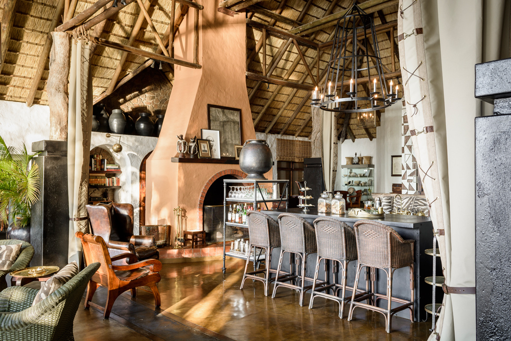 Singita Ebony Lodge bar and lounge