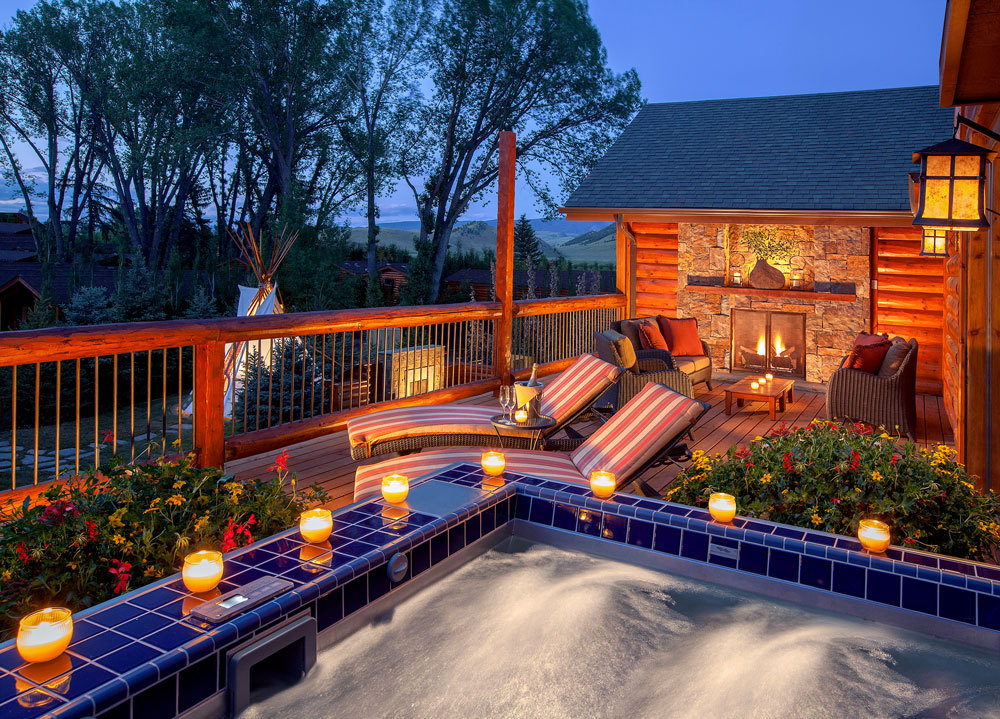 The spa suites at the rustic inn luxury hotel in wyoming for The deck jackson hole