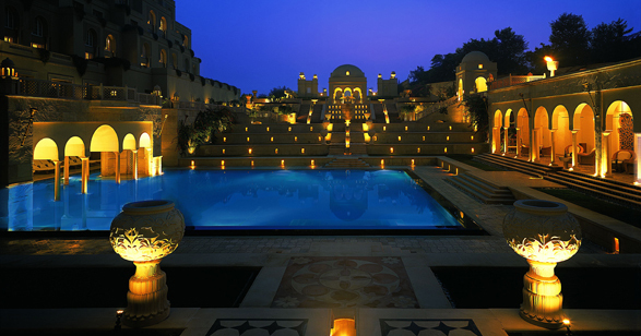 3207_The_Oberoi_Amarvilas_pool