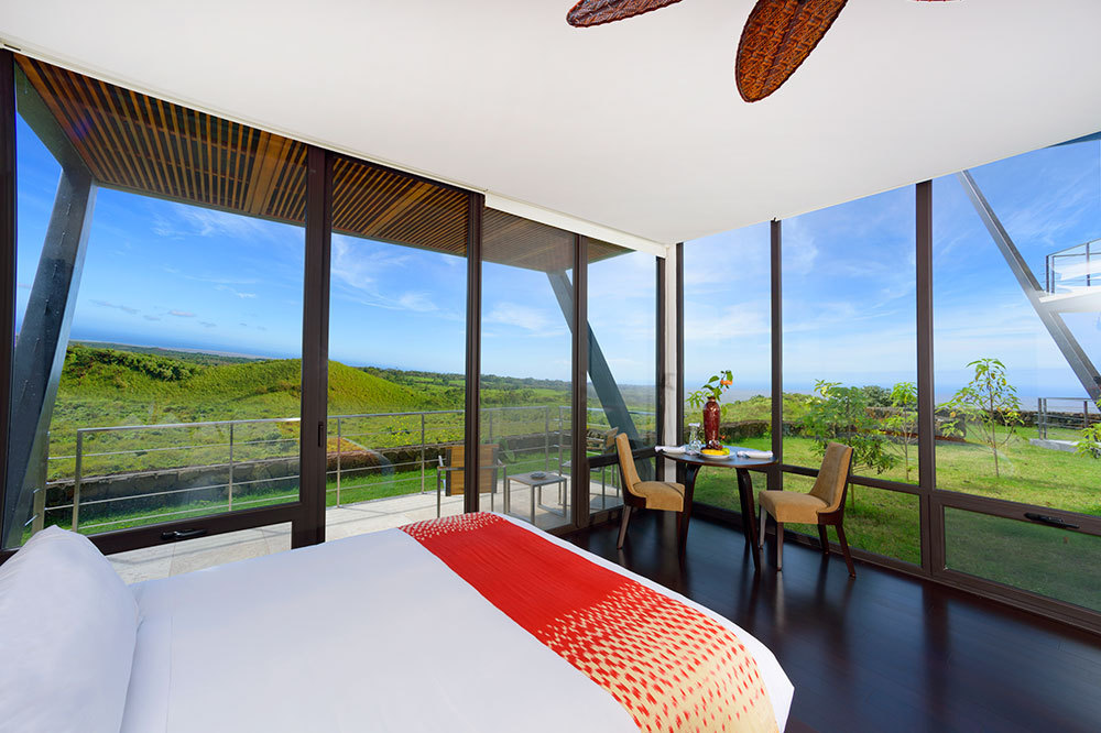 Pikaia Lodge Terrace Room