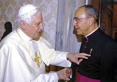 Bento XVI recebe os Arautos do Evangelho