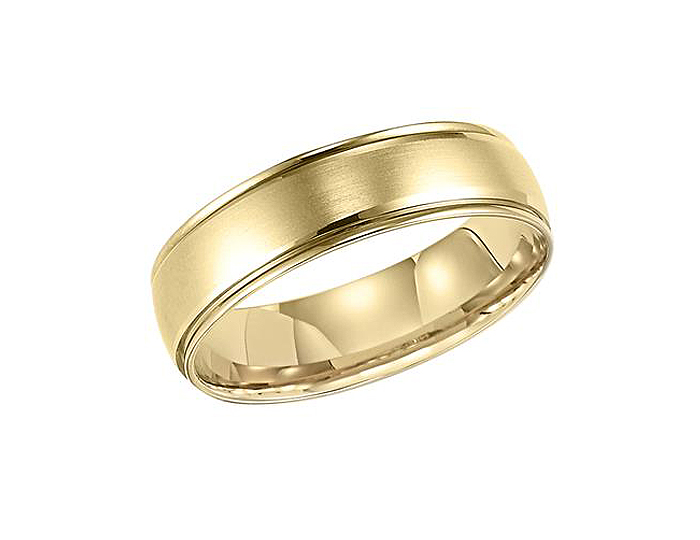 Men's wedding band in 14k yellow gold.