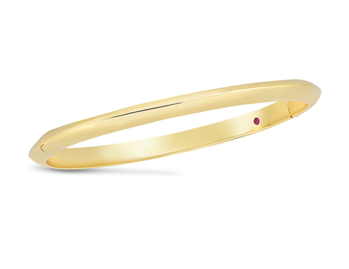 Roberto Coin bangle in 18k yellow gold.