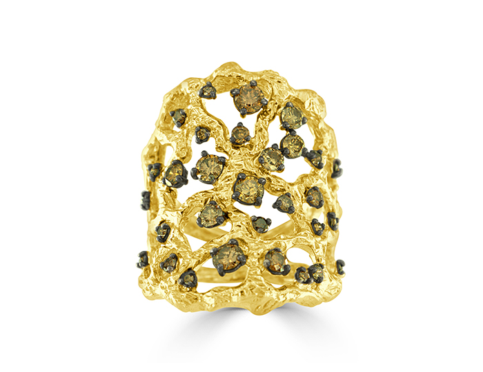 Roberto Coin round brilliant cut brown diamond ring in 18k yellow gold.