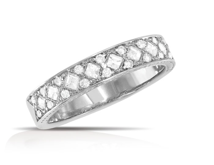 Round brilliant cut and blaze cut diamond ring in 18k white gold.