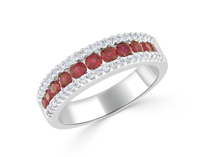 Ruby and round brilliant cut diamond ring in 18k whtie gold.