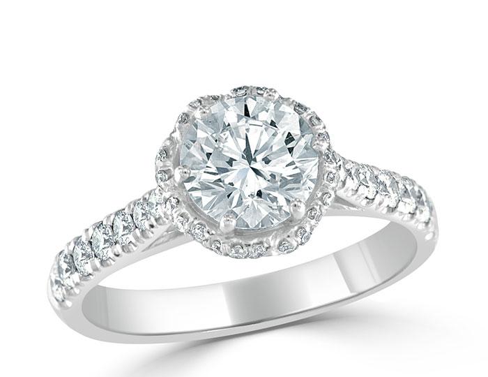 Ladies round brilliant cut diamond engagement ring in platinum.