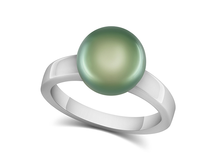Tahitian pearl ring in 18k white gold.
