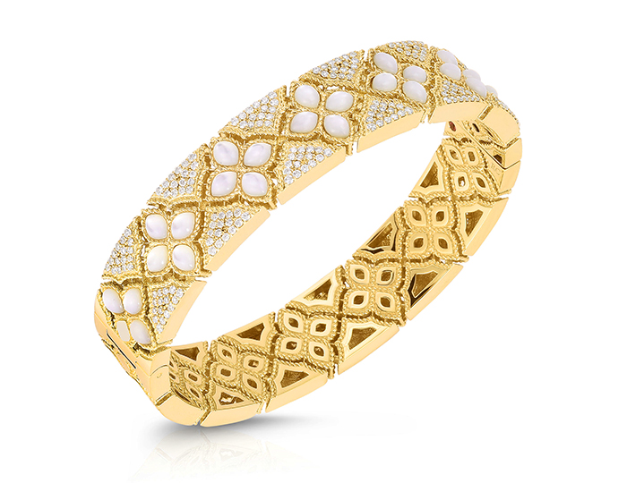 Roberto Coin Venetian Princess Collection round brilliant cut diamond and mother-of-pearl bracelet in 18k yellow gold.