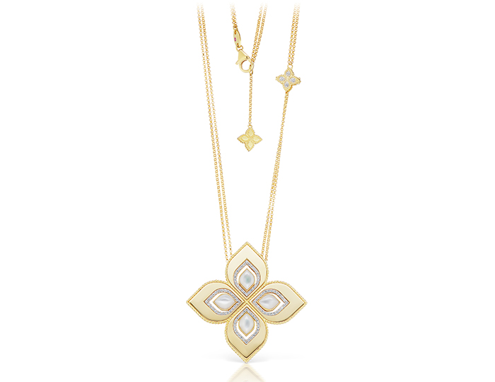 Roberto coin princess collection mother of pearl and round brilliant cut diamond necklace in 18k yellow gold.