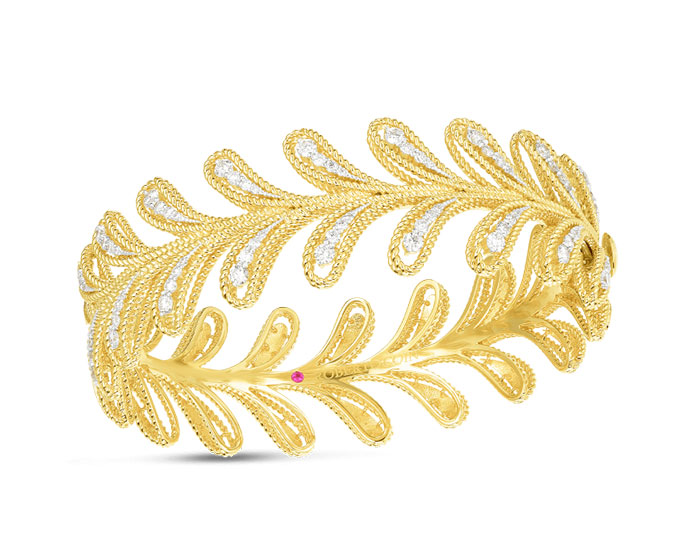 Roberto Coin Byzantine Barocco collection diamond bracelet in 18k yellow gold.