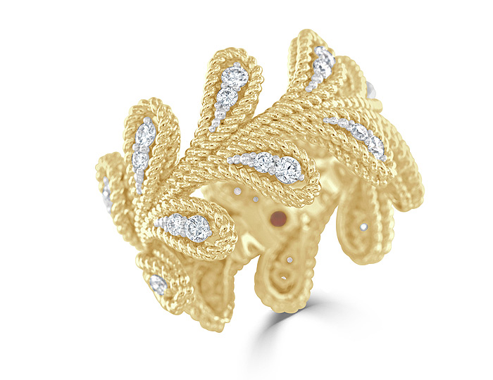 Roberto Coin Byzantine collection round brilliant cut diamond ring in 18k yellow gold.