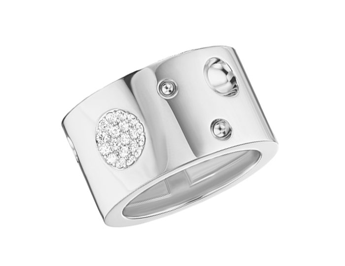 Roberto Coin Luna collection round brilliant cut diamond ring in 18k white gold.