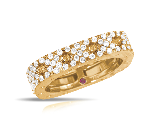 Roberto Coin Pois Moi Collection round brilliant cut diamond pavé ring in 18k yellow gold.