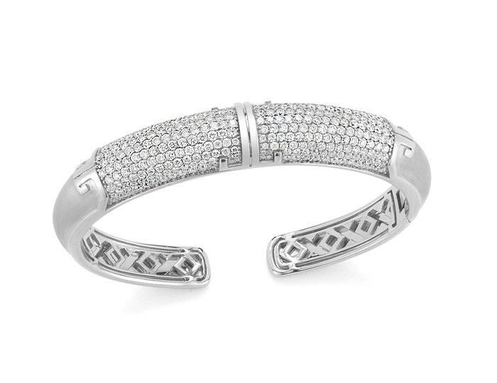Ivanka Trump Metropolis Lune Collection round brilliant cut diamond bracelet in 18k white gold.