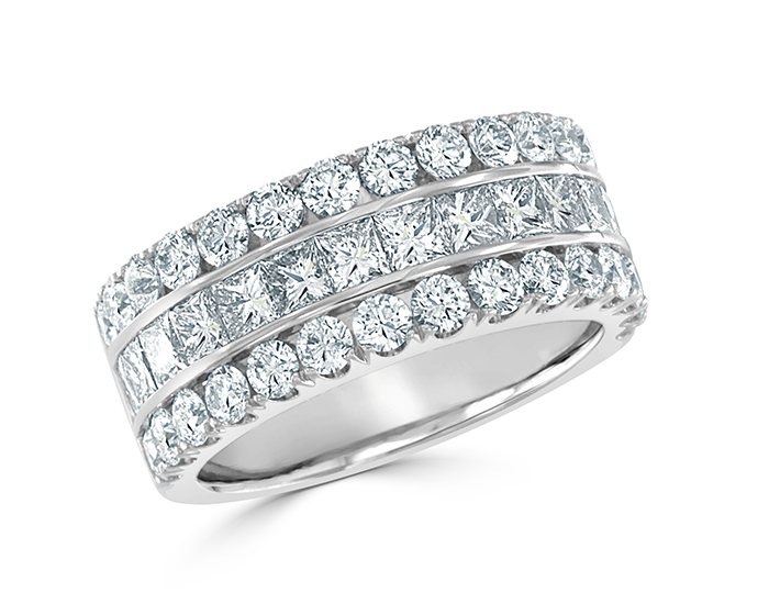 Princess cut and round brilliant cut diamond band in 18k whiter gold.