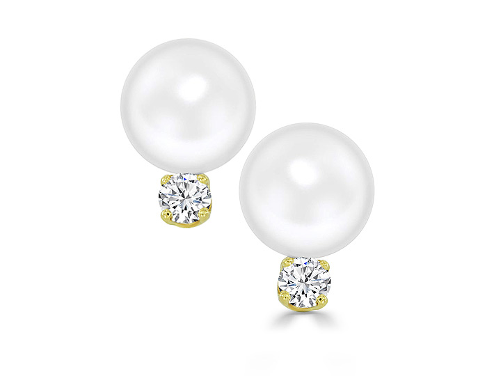7.6mm Cultured pearl and round brilliant cut diamond earrings in 18k yellow gold.