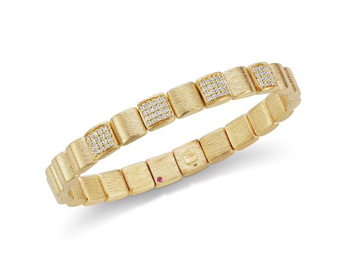 Robeto Coin Colllection round brilliant cut diamond bracelet in 18k yellow gold.