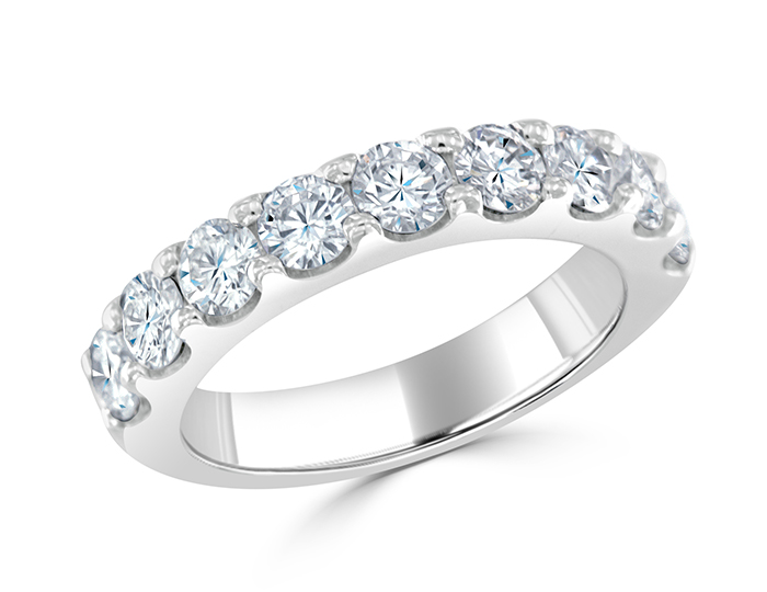 Round brilliant cut diamond band in platinum.