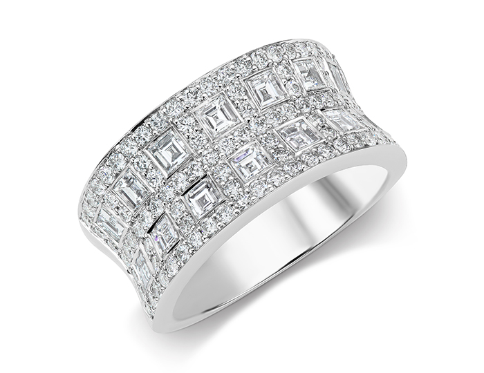 Carre cut and round brilliant cut diamond band in 18k white gold.