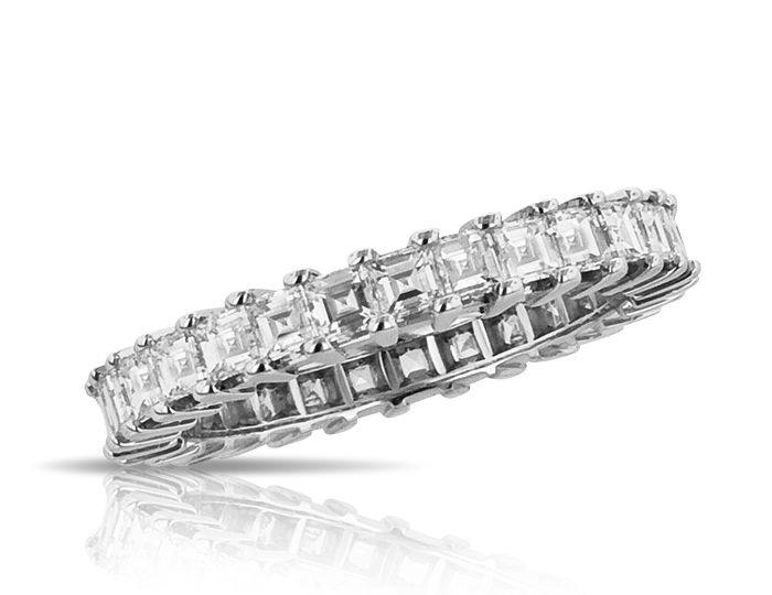 Carre cut diamond band in 18k white gold.
