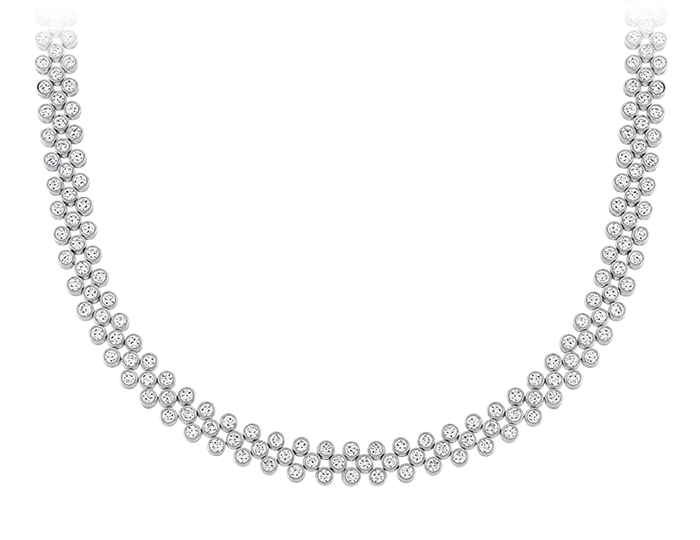 Round brilliant cut diamond necklace in platinum.