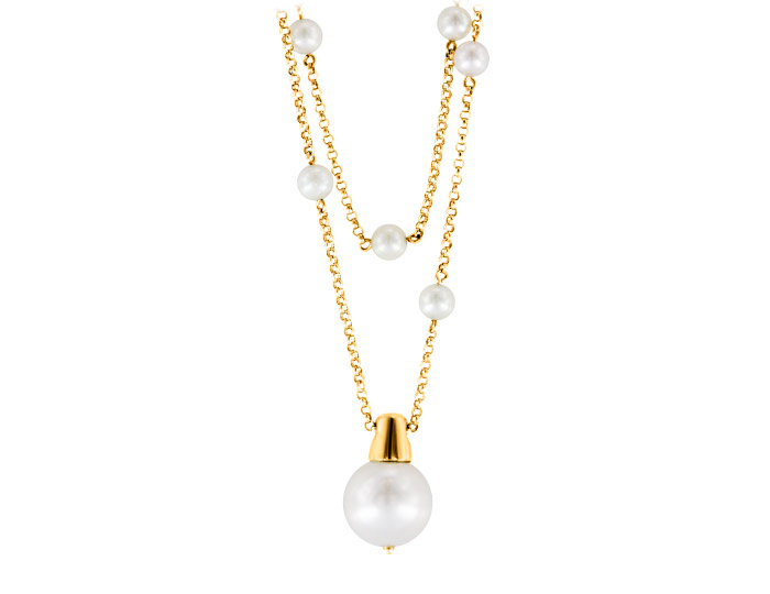 Freshwater pearl necklace in 18k yellow gold.