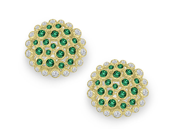 Casato emerald and round brilliant cut diamond earrings in 18k yellow gold.