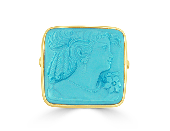 Turquoise cameo brooch in 18k yellow gold.