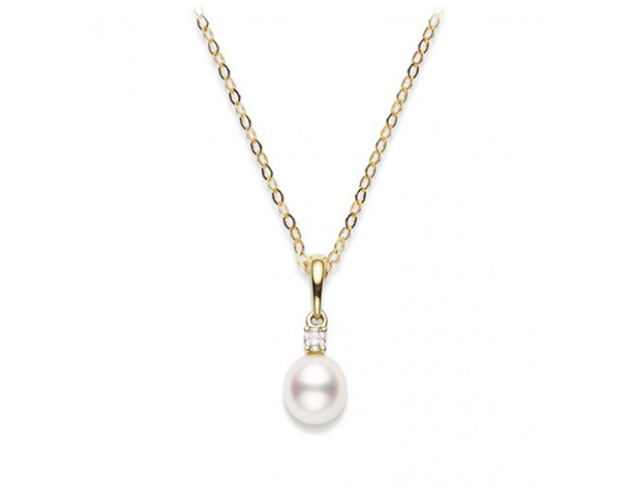 Mikimoto akoya pearl and round brilliant cut diamond pendant in 18k yellow gold.